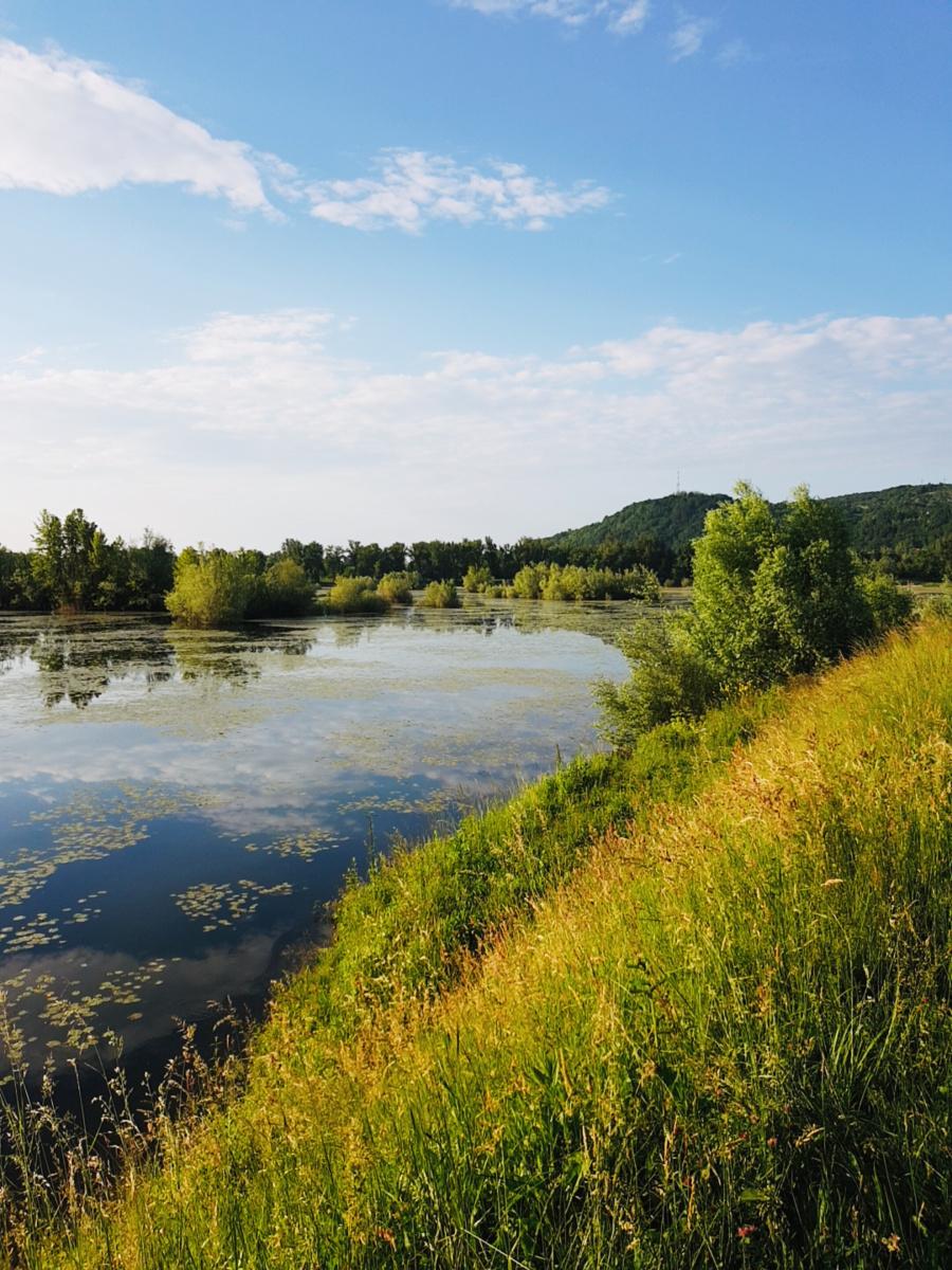 Orešje Lake