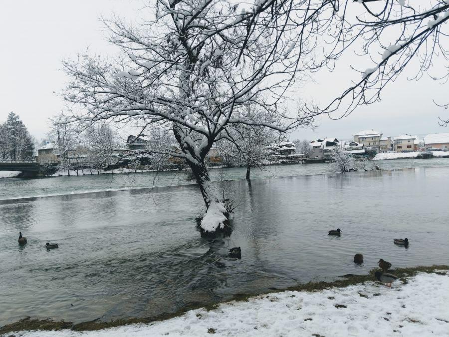 Winter idyll on the river Una