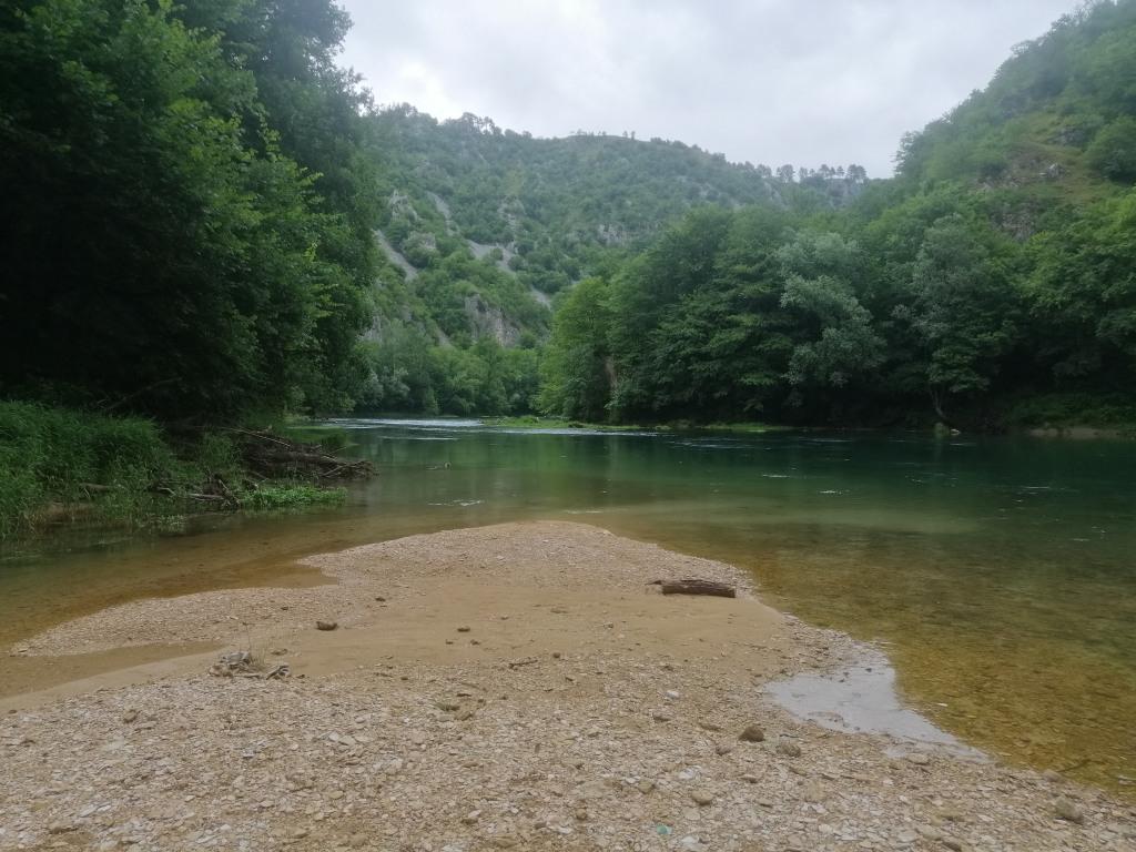 "River ""Una"" canyon"
